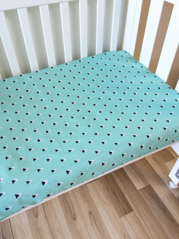 Mint with Black Triangle | Fitted Cot Sheet | Elske