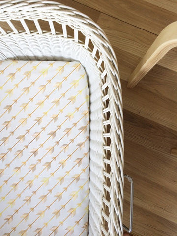Gold Diagonal Arrow | Bassinet Sheet | Elske