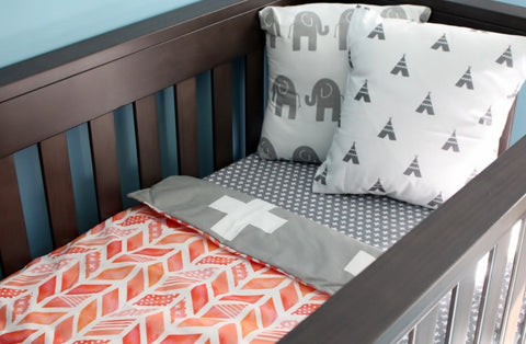 Coral Watercolour with White & Grey Crosses Bassinet/Pran Quilt | Little Windsor