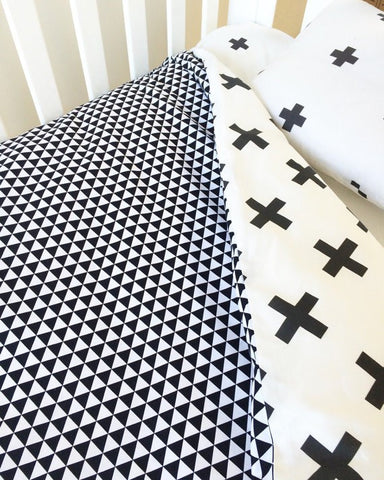 Black Cross / Triangle | Junior Doona Cover and Toddler Pillowcase | Elske