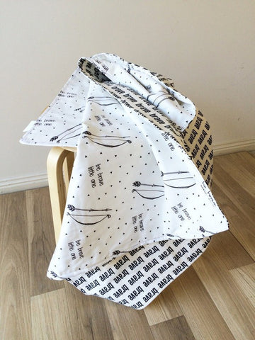 Brave / Bow & Arrow | Cot Quilt | Elske