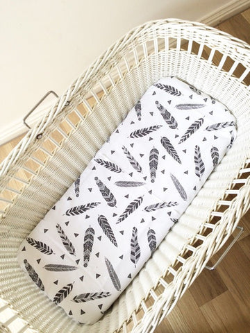 Black Feather & Triangle | Bassinet Sheet | Elske