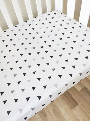 Black & Grey Triangles | Fitted Cot Sheet | Elske