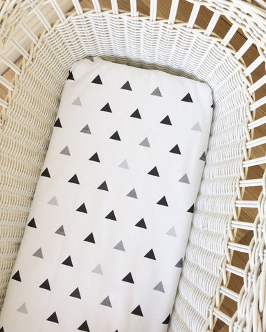 Black & Grey Triangles | Bassinet Sheet | Elske