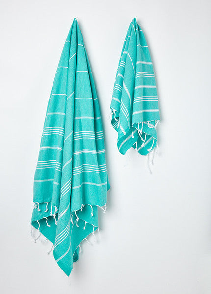 Hanging large and small Sorbet Hammam Towel in Cucumber green