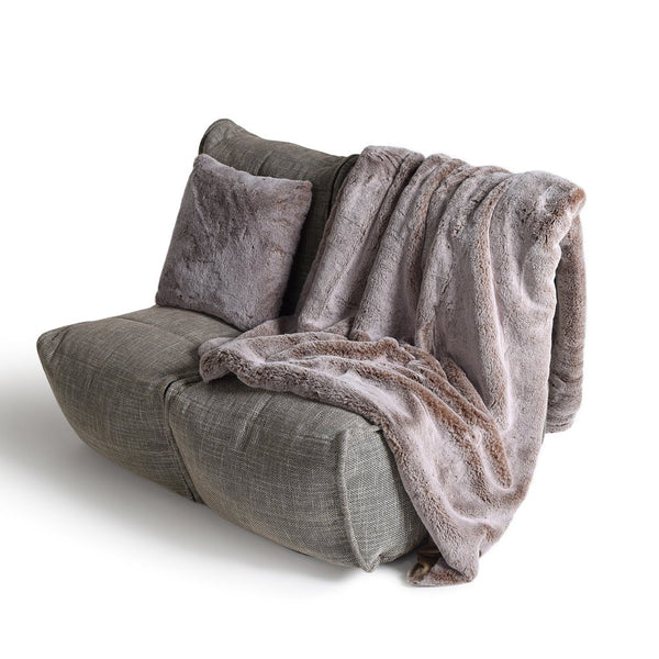 Throw - Deluxe Faux Fur Throw (Cappuccino)
