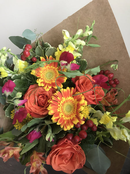 Hand-tied Bouquet Vibrant- Orange/Yellow