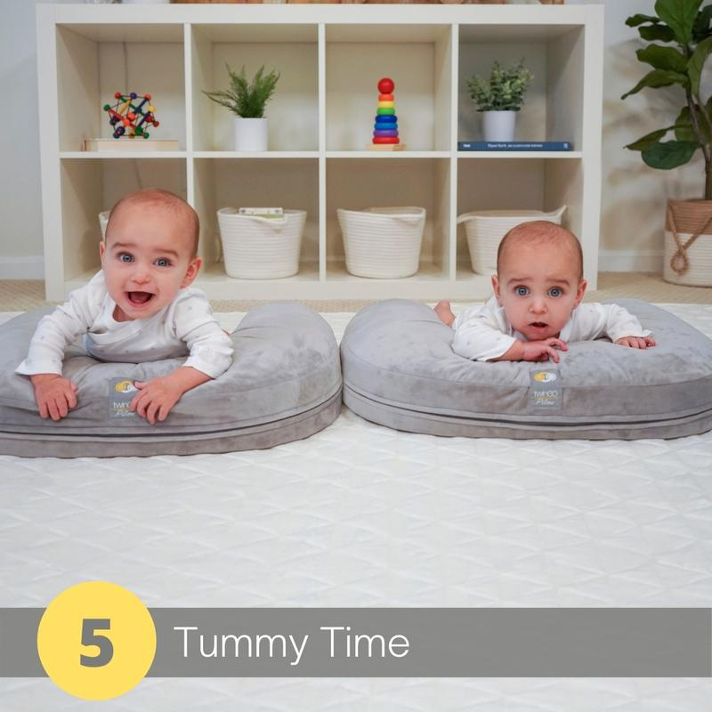 twingo nurse and lounge pillow tummy time