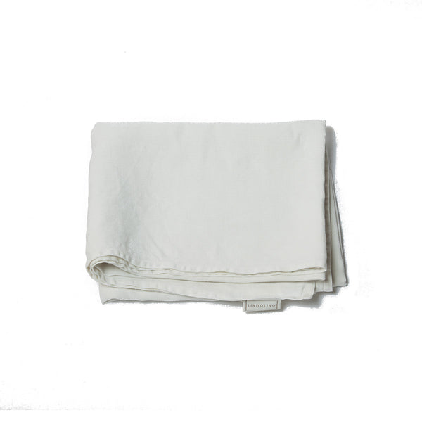 plain hem treviso rectangular tablecloth