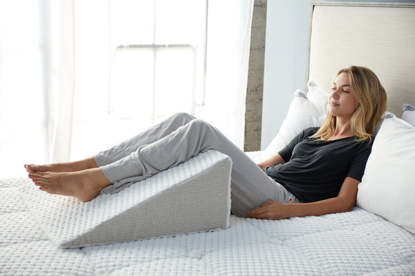 wedge legs leg elevate support pillow comforting improves more circulation contoured relaxer