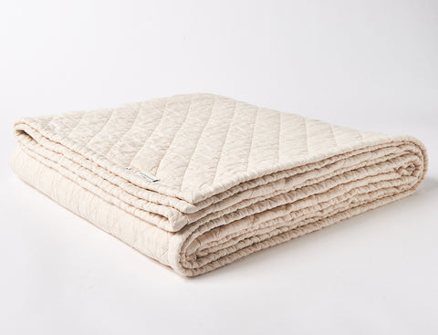 handmade eco-friendly and natural linen quilt