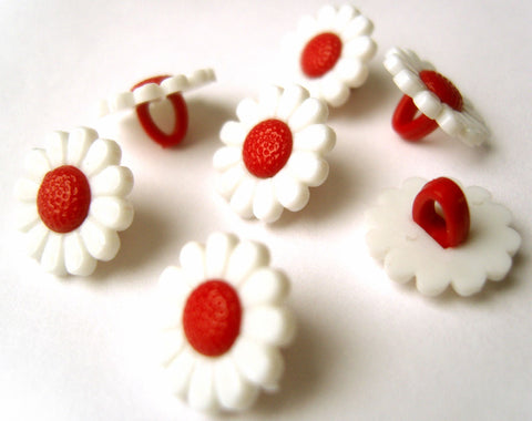 B15834 13mm White and Red Daisy Flower Design Shank Button