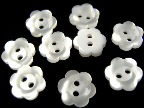 B16496 11mm White Pearlised Flower Design 2 Hole Button