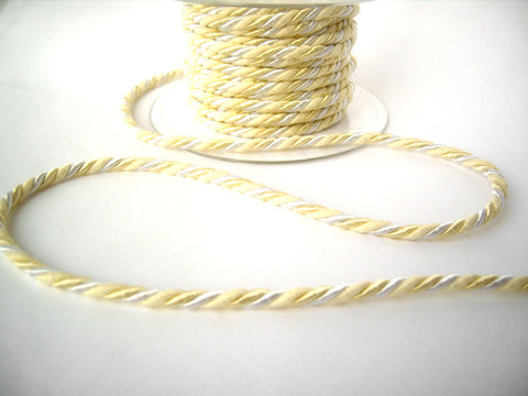 C465 4mm Creams and White Rope Cord Twine