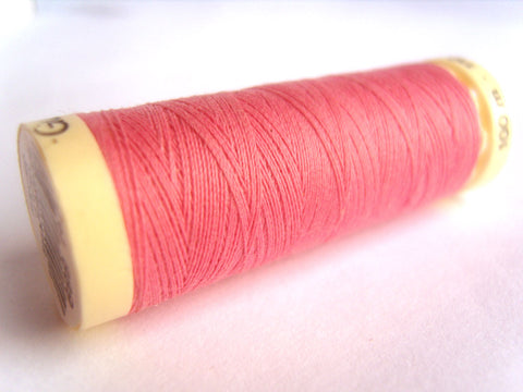 GT 889L Hot Pink Gutermann Polyester Sew All Sewing Thread