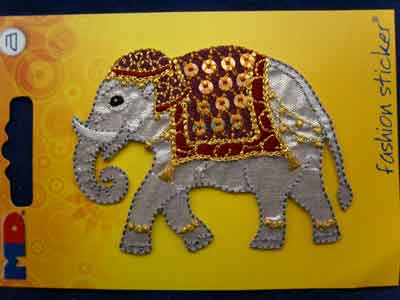 M461 Embroidered Elephant Design Iron or Sew on Motif