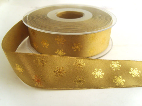 R8744 15mm Straw Satin Ribbon with Metallic Gold Snowflake Design