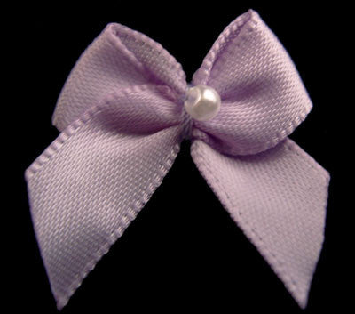 RB114 Light Orchid 10mm Double Satin Ribbon Bow with a Centre Pearl, Berisfords - Ribbonmoon