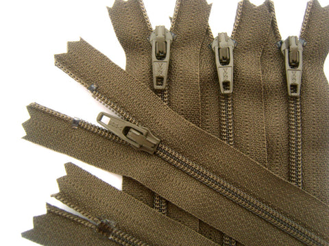 Z1866 YKK 36cm Taupe Nylon No.3 Closed End Zip