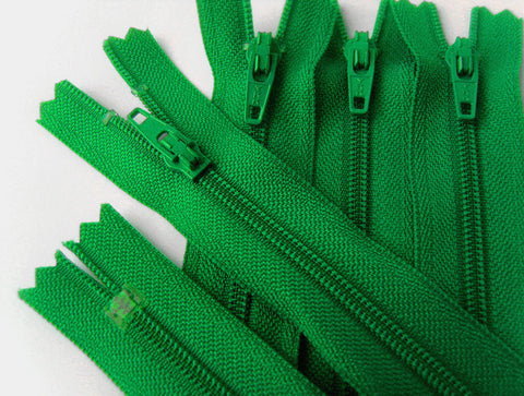 Z4237 YKK 25cm Parakeet Green Nylon No.3 Closed End Zip