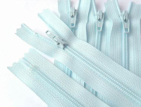 Z4540 YKK 15cm Sky Blue Nylon No.3 Closed End Zip
