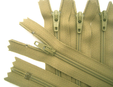 Z5317 YKK 13cm Khaki Beige Nylon No.3 Closed End Zip