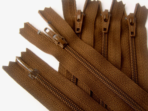 Z4658 YKK 13cm Mid Brown Nylon No.3 Closed End Zip