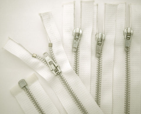 Z5229 66cm White No.5 Silver Metal Teeth Open End Zip