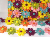DT02 28mm Multi Coloured Daisy Lace Trim
