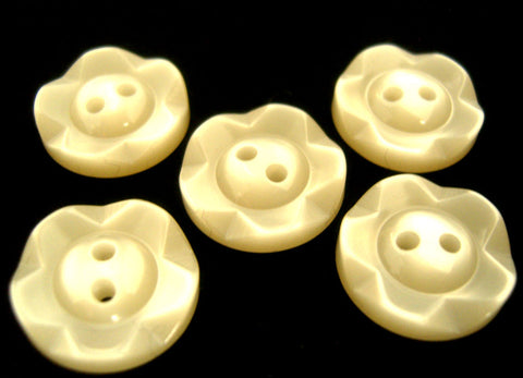 B17391 14mm Cream Dished Edge (Fruit Gum) Polyester 2 Hole Button