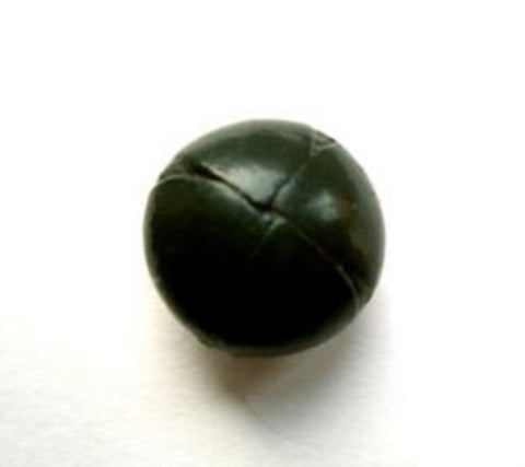 B12502 15mm Holly Green Reath Laether Shank Button - Ribbonmoon