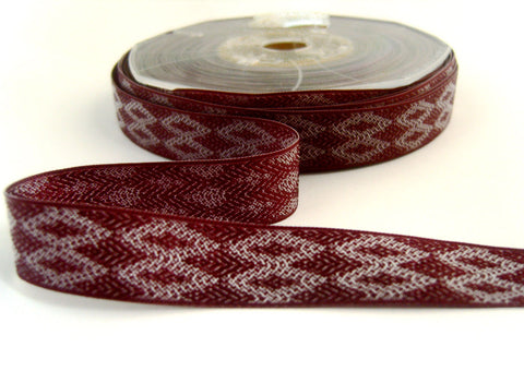 R8014 15mm Burgundy and White Reversible Woven Jacquard Ribbon