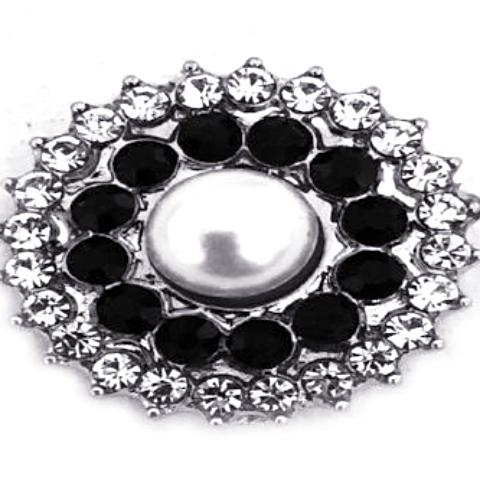 Pearl and Black Crystal Snap