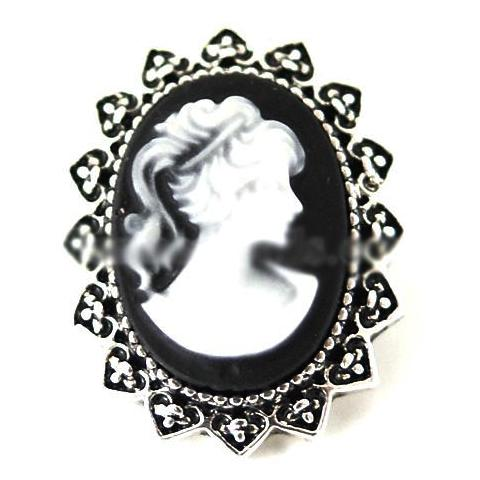 Black Cameo snap