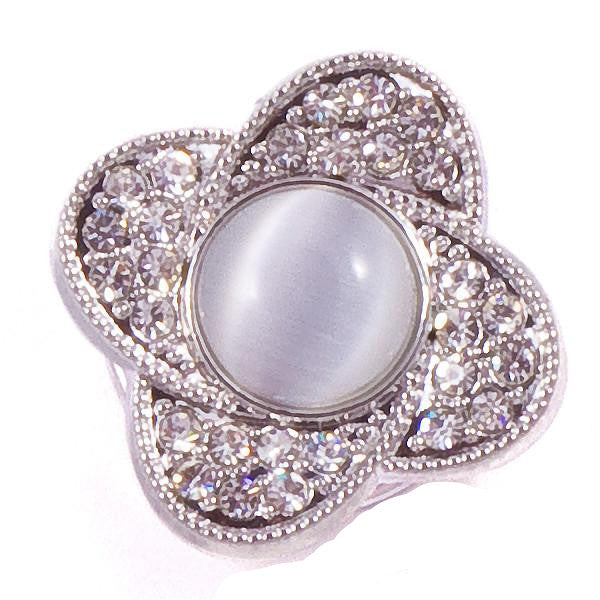 Pearl Four Point Crystal Snap
