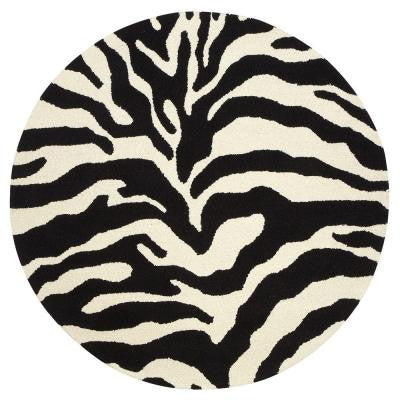Trek White and Black 5 ft. 6 in. Round Area Rug