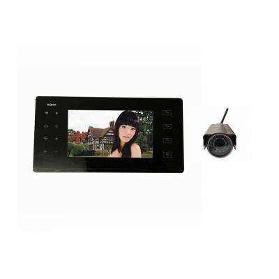 4-Channel Portable Wireless DVR with 1 Camera