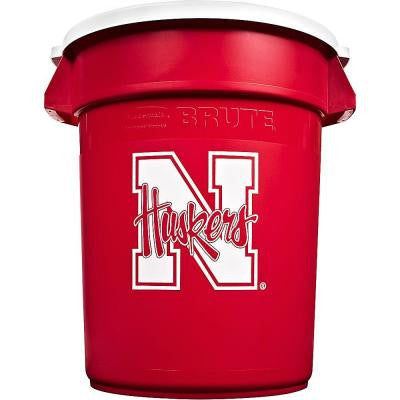 BRUTE NCAA 32 Gal. University of Nebraska Round Trash Can with Lid