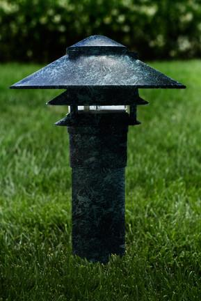 "Dabmar Cast Aluminum Three Tier Pagoda Light with 3.00"" Base"