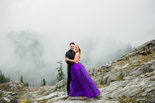 DREAMY ENGAGEMENT PHOTOSHOOT IN THE PACIFIC NORTHWEST