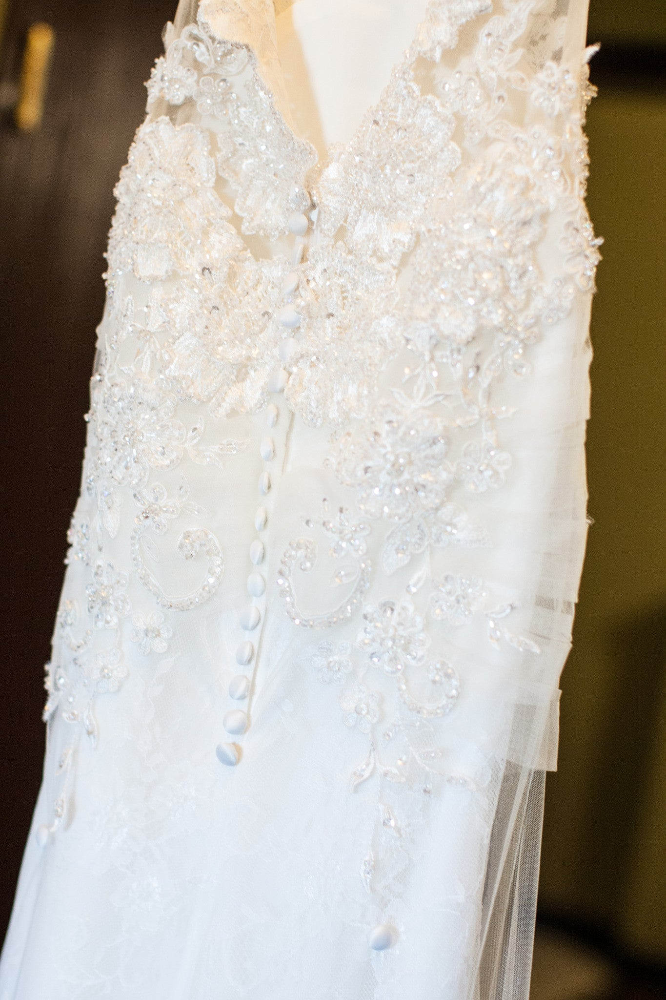 Lace Wedding Gown With Cut-Out (#Cindy)