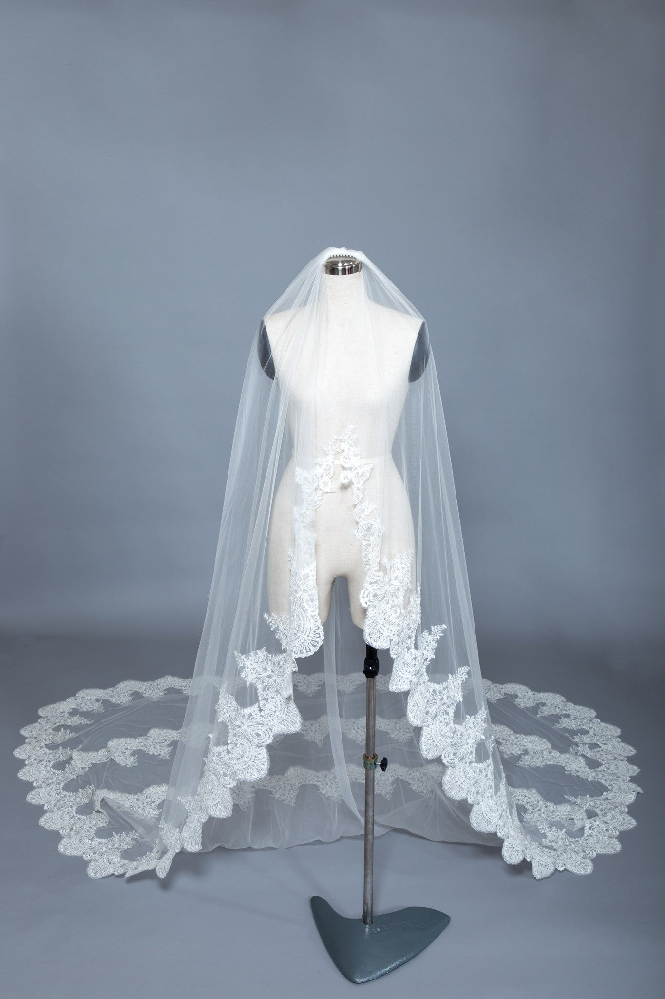 Three Layers Cathedral Veil (#Damia) - Dream Dresses by P.M.N  - 1