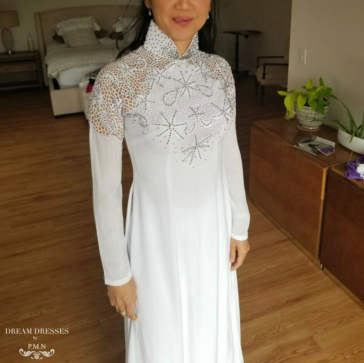 White Ao Dai | Vietnamese Bridal Dress with Embellishment (#ODILE)