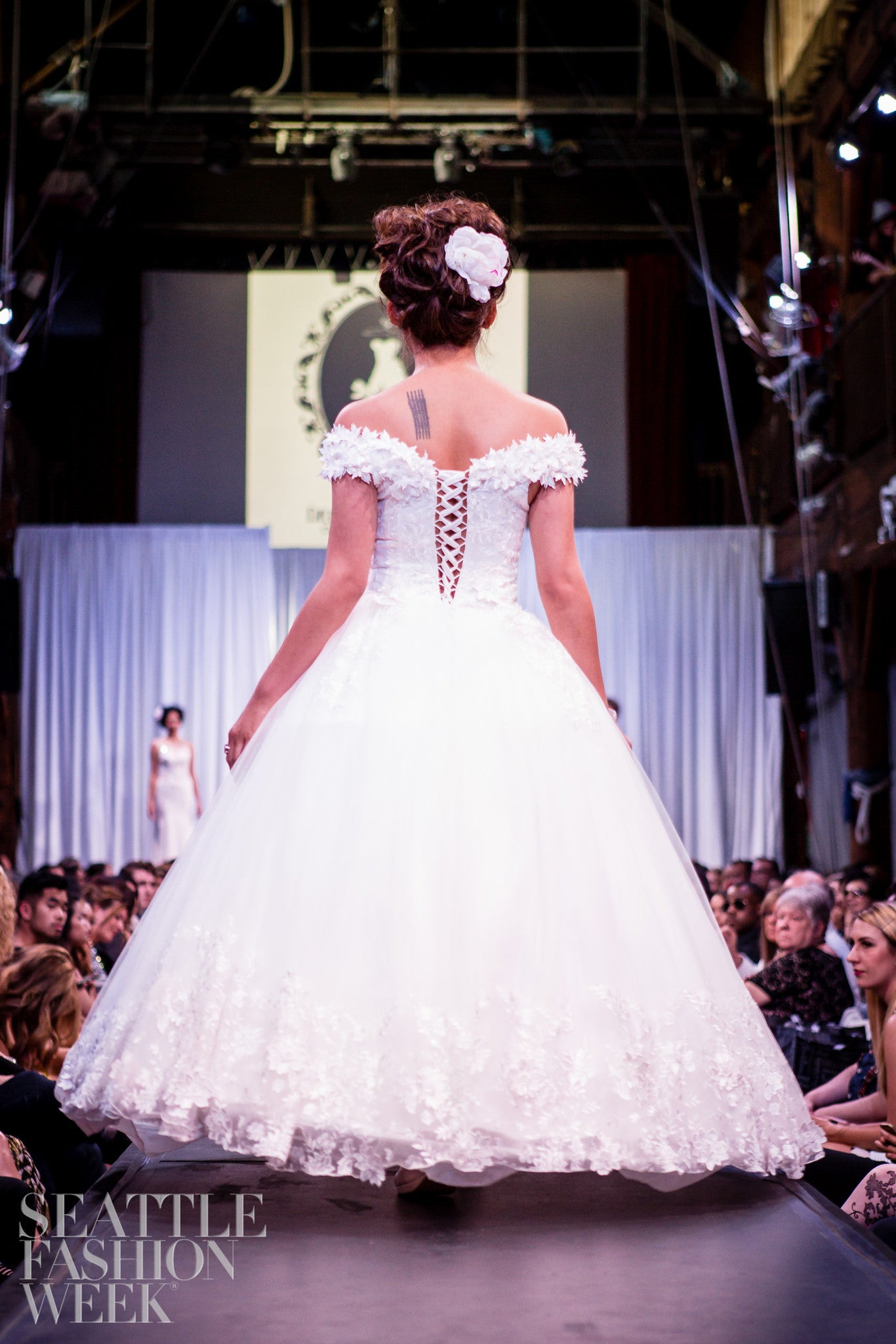SAMPLE SALE/ Off Shoulder Lace Ball Gown with 3D Flowers Lace Appliques (#Wora)