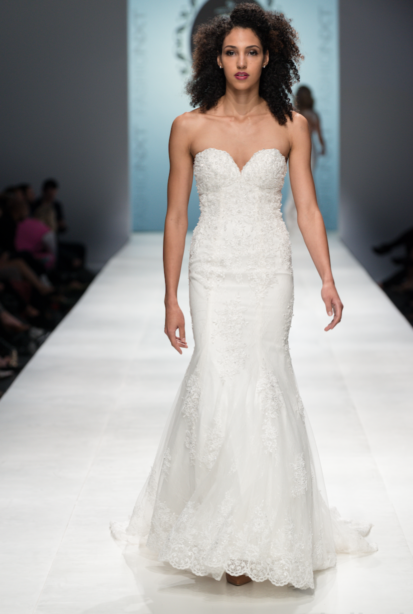SAMPLE SALE/ Sweetheart Strapless Wedding Dress with Three Layer Long Train (# PB094) - Dream Dresses by P.M.N  - 2