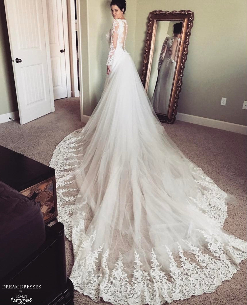 Detachable Cathedral Train Wedding Gown: Detachable Cathedral Wedding Train