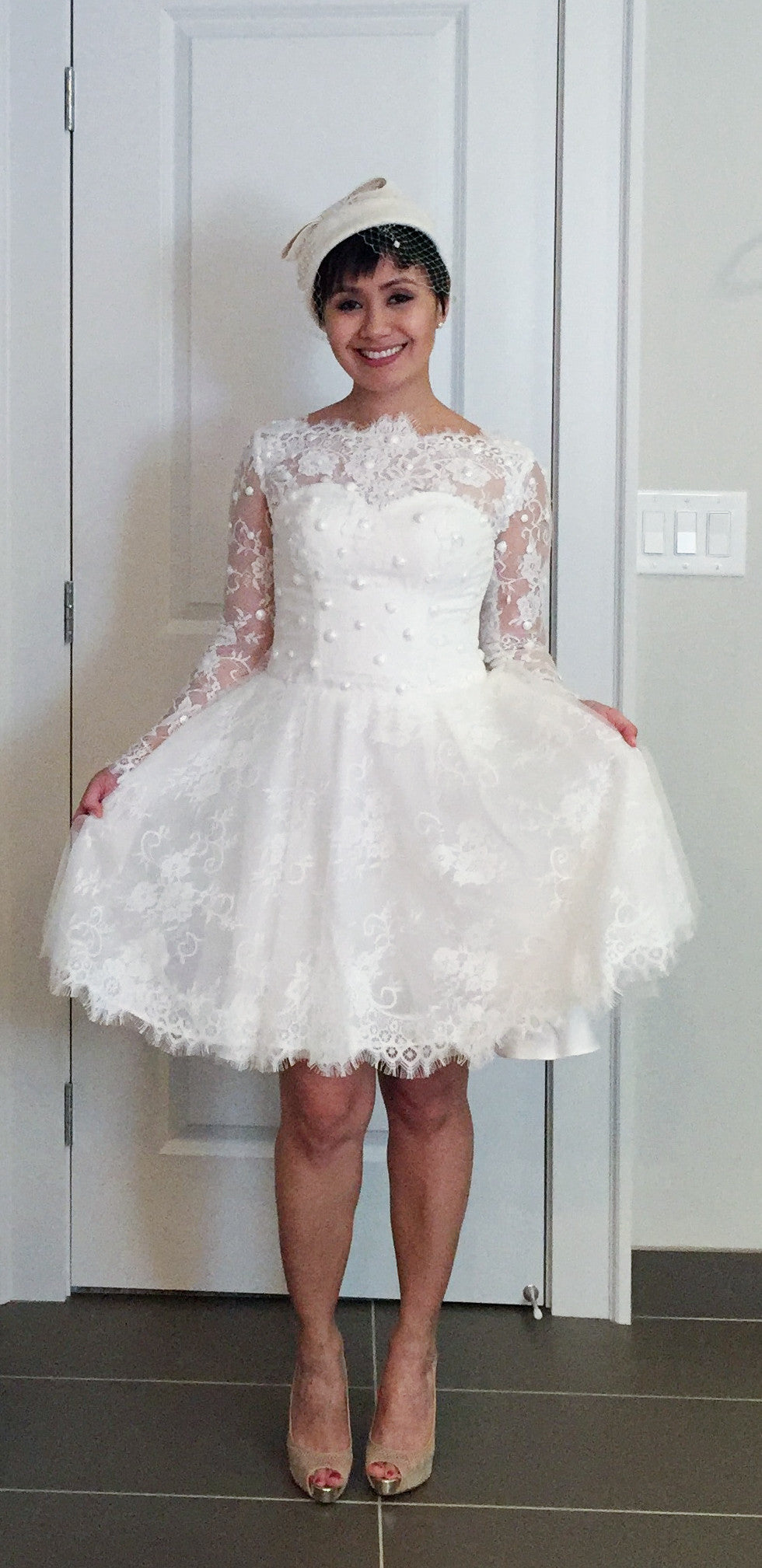 Long Sleeve Short Wedding Dress (#Claudine)