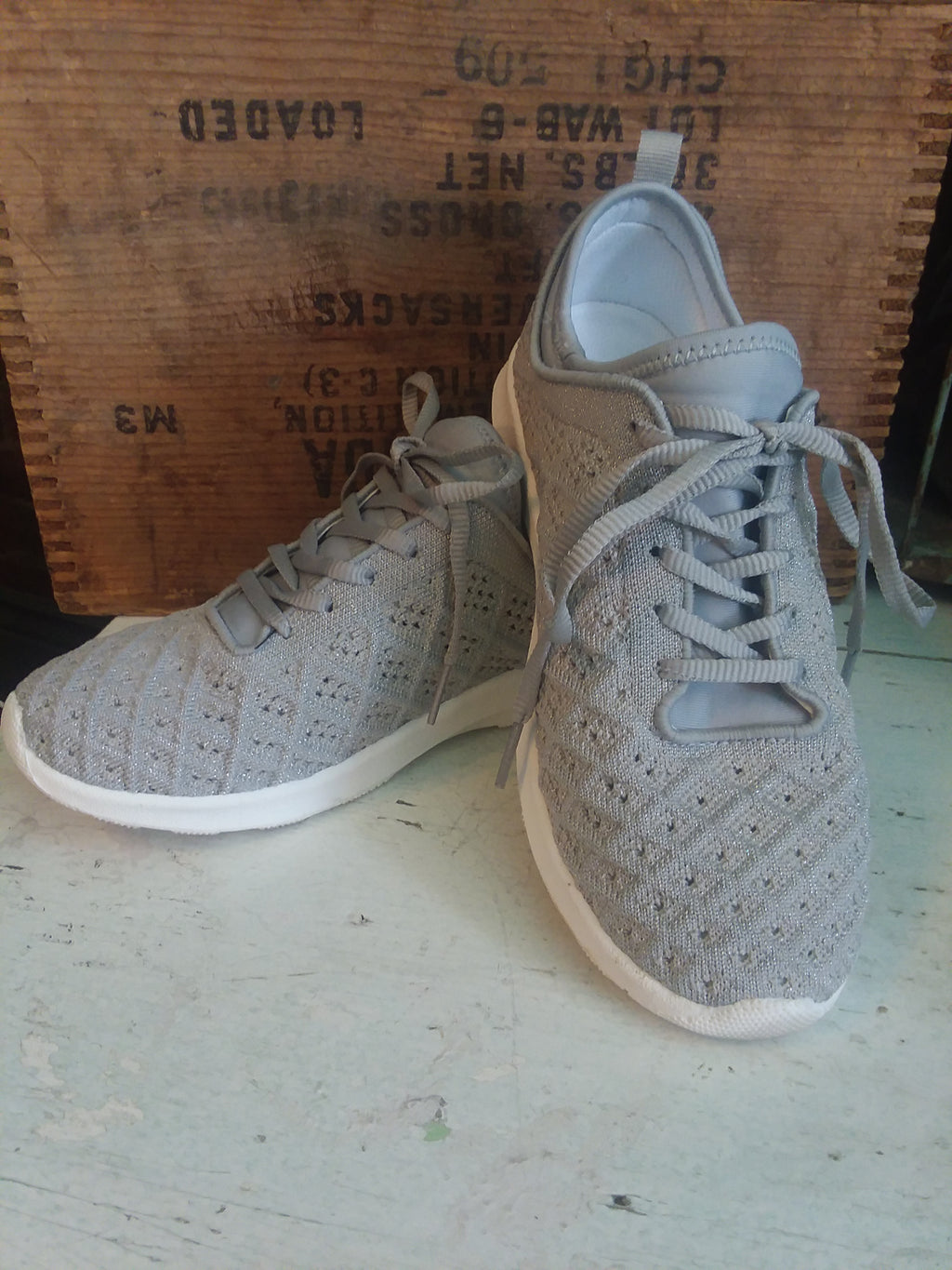 Not Rated Dessa Sneaker in Grey
