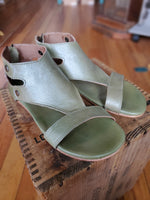 Bed Stu Soto Sage Rustic Gold Metallic Sandals - tempting-teal-boutique