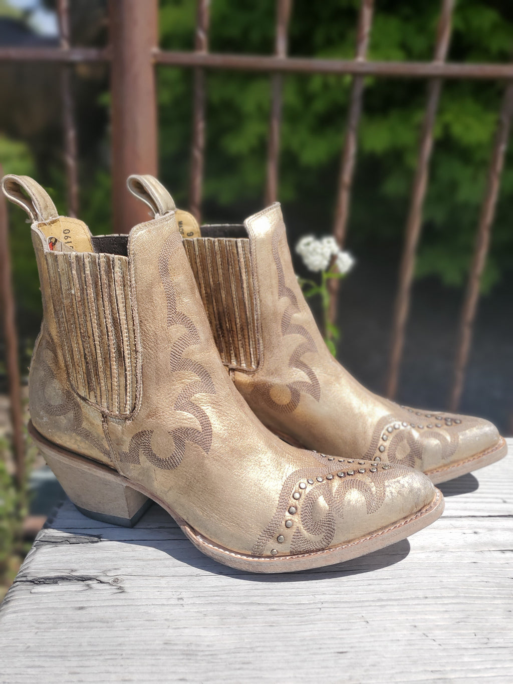Old Gringo Shay Ankle Leather Cowboy Boots in Distressed Gold